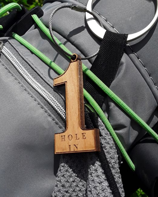 Hole In One - Bagtag aus Holz